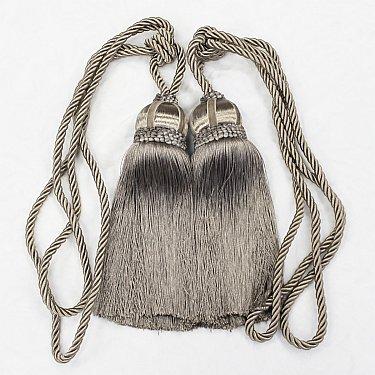 Кисти Ajur HK K7-17-1212, серый, 60 см